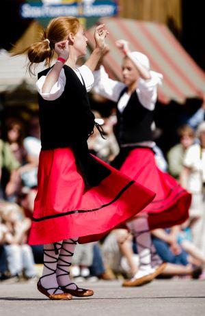 basquedancers.jpg